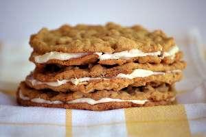 Μπισκότα σάντουιτς με βρώμη και γέμιση κρέμας θερμιδικη αξια